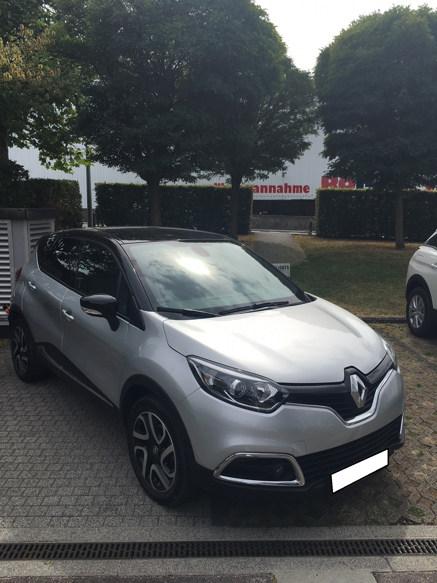 Photo Renault Captur 2019 TCe 150 EDC INTENS 2 Gris Platine / Toit Noir