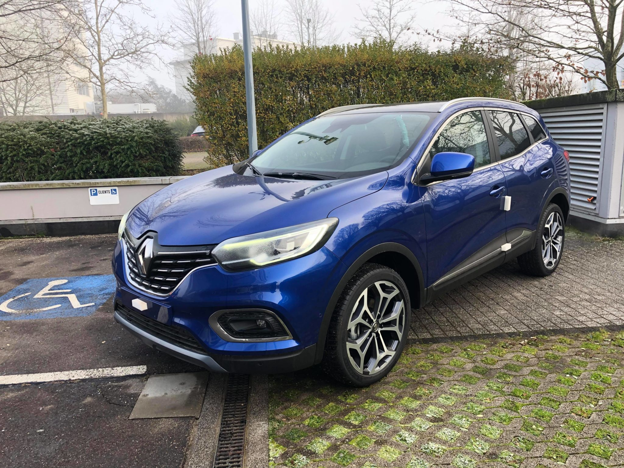 Photo Renault KADJAR TCe 140 FAP EDC INTENS 2 Bleu Iron
